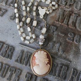 Cameo Cream Necklace